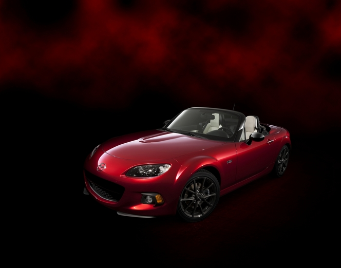 New York 2014 : Mazda présente la MX-5 25ème anniversaire