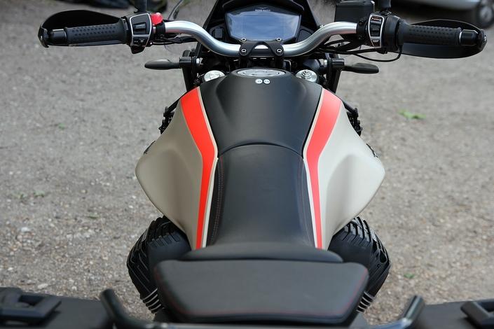 Essai - Moto Guzzi V85 TT Travel : Confirmation réussie ! S1-essai-moto-guzzi-v85-tt-travel-confirmation-reussie-633549