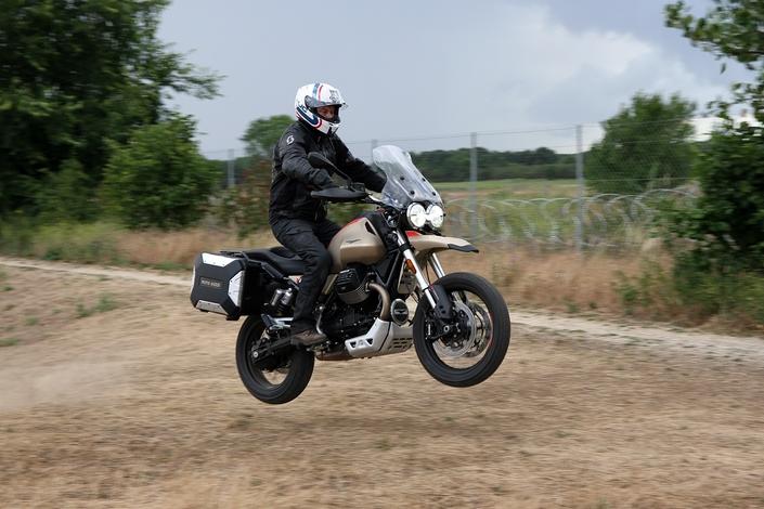 Essai - Moto Guzzi V85 TT Travel : Confirmation réussie ! S1-essai-moto-guzzi-v85-tt-travel-confirmation-reussie-633601