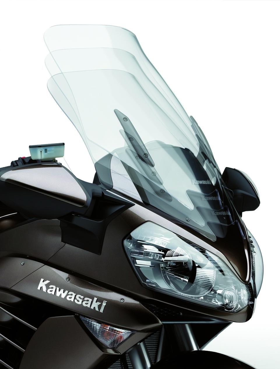 Nouveauté 2010 : Kawasaki GTR 1400 [photos HD + fiche technique]