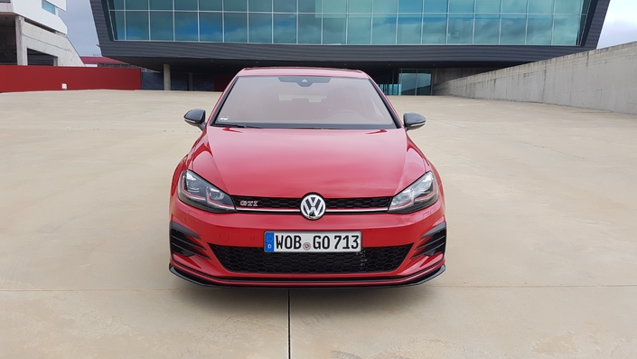 Volkswagen Golf GTi TCR : les premières images de l'essai en direct + impressions de conduite