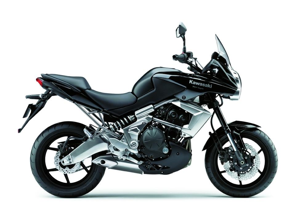 Nouveauté 2010 : Kawasaki Versys [photos HD + fiche technique]