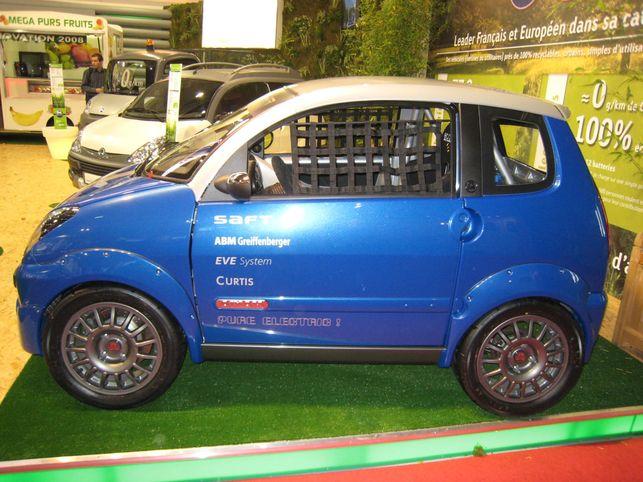 Une voiture de course électrique : la Aixam Cup