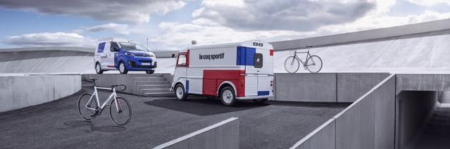 """Les applications bleu blanc rouge de carrosserie apparaissent destructurées, """"à la manière des compositions de Mondrian"""", commente Mathieu Wandon, responsable du graphisme chez Citroën. Précisons qu'il s'agit de peinture, non de stickers, pour un résultat nettement plus qualitatif."""