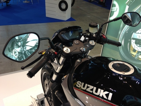 salon de milan 2017 en direct suzuki sv 650x. Black Bedroom Furniture Sets. Home Design Ideas