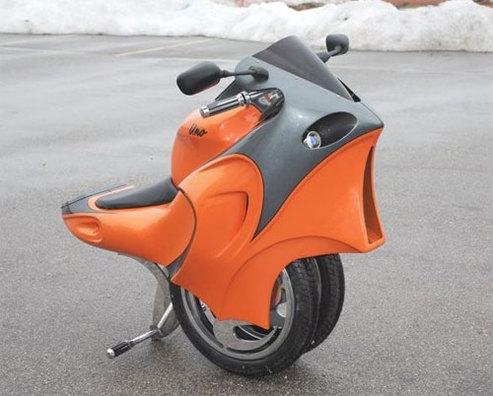 A 18 ans, il invente une moto électrique incroyable