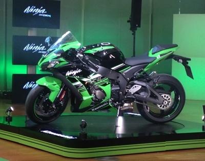 Caradisiac Moto est à Barcelone pour la présentation de la nouvelle Kawasaki ZX10-R