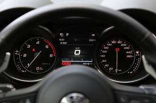 Comparatif vidéo - Alfa Romeo Stelvio vs Audi Q5 : domination en question