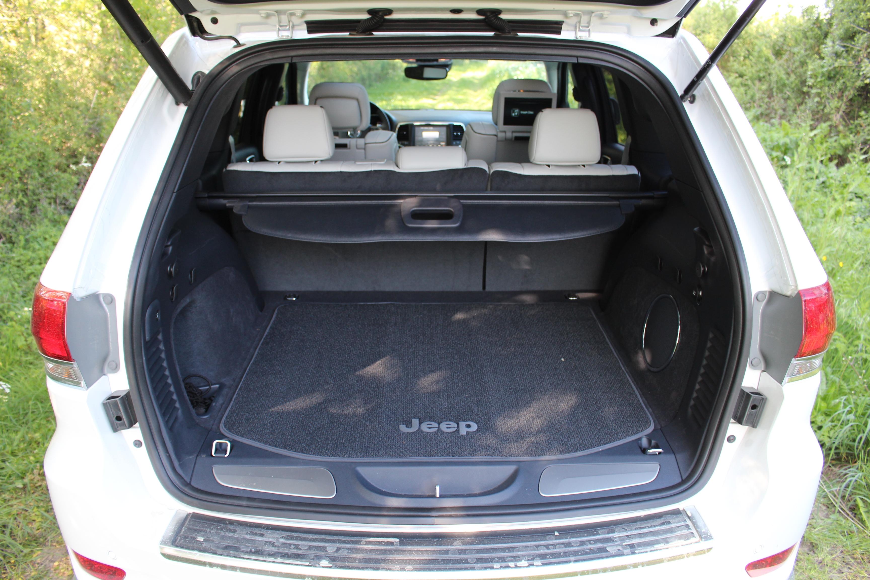 essai vid o jeep grand cherokee 2017 soins palliatifs. Black Bedroom Furniture Sets. Home Design Ideas