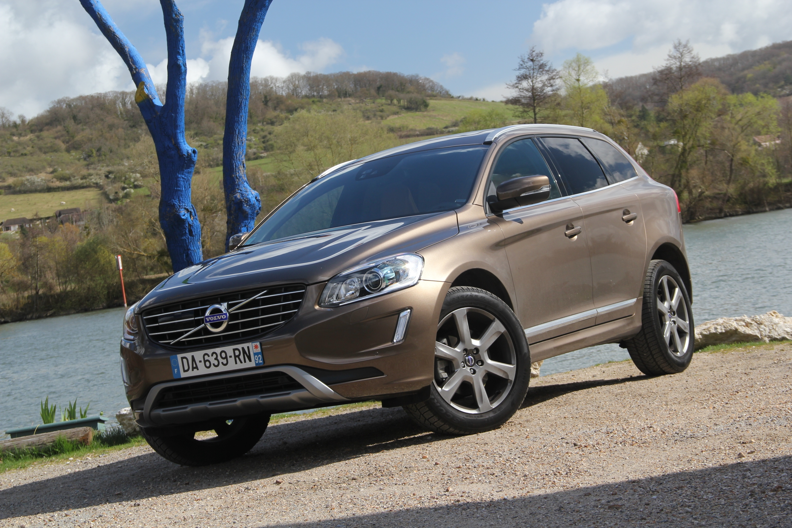 essai volvo xc60 restyl la voiture zlatan. Black Bedroom Furniture Sets. Home Design Ideas