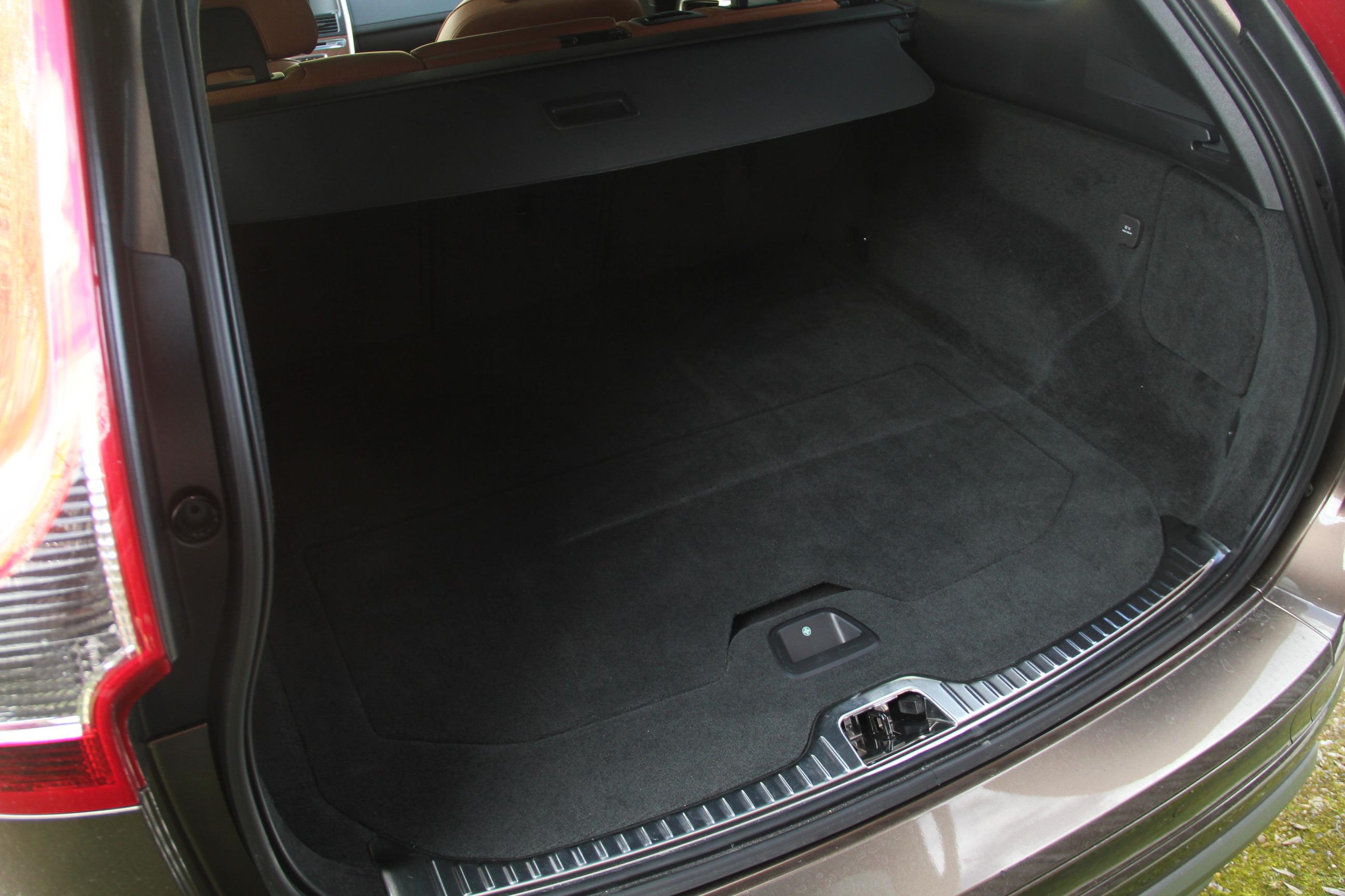 essai volvo xc60 restyl la voiture zlatan. Black Bedroom Furniture Sets. Home Design Ideas