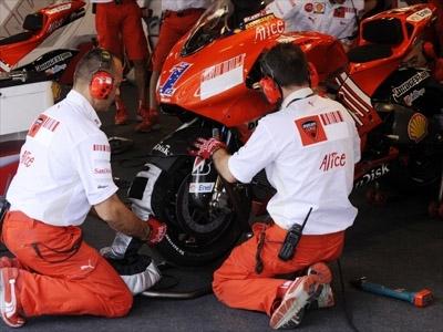 Moto GP - Grande Bretagne: Un nouveau réglage électronique pour Casey Stoner