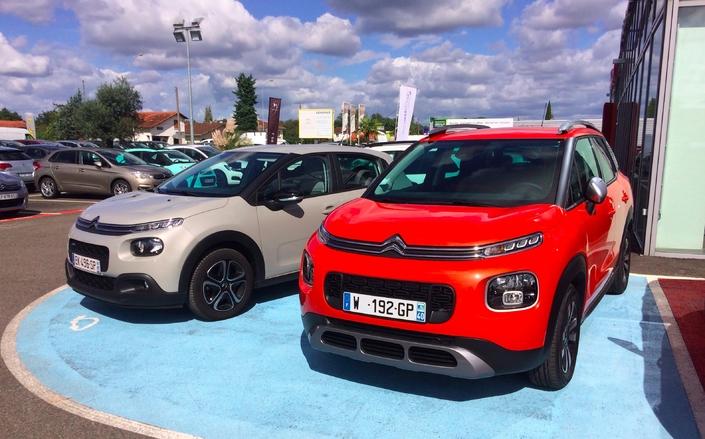 Baromètre des ventes d'octobre 2017: Peugeot talonne Renault, le diesel au plus bas