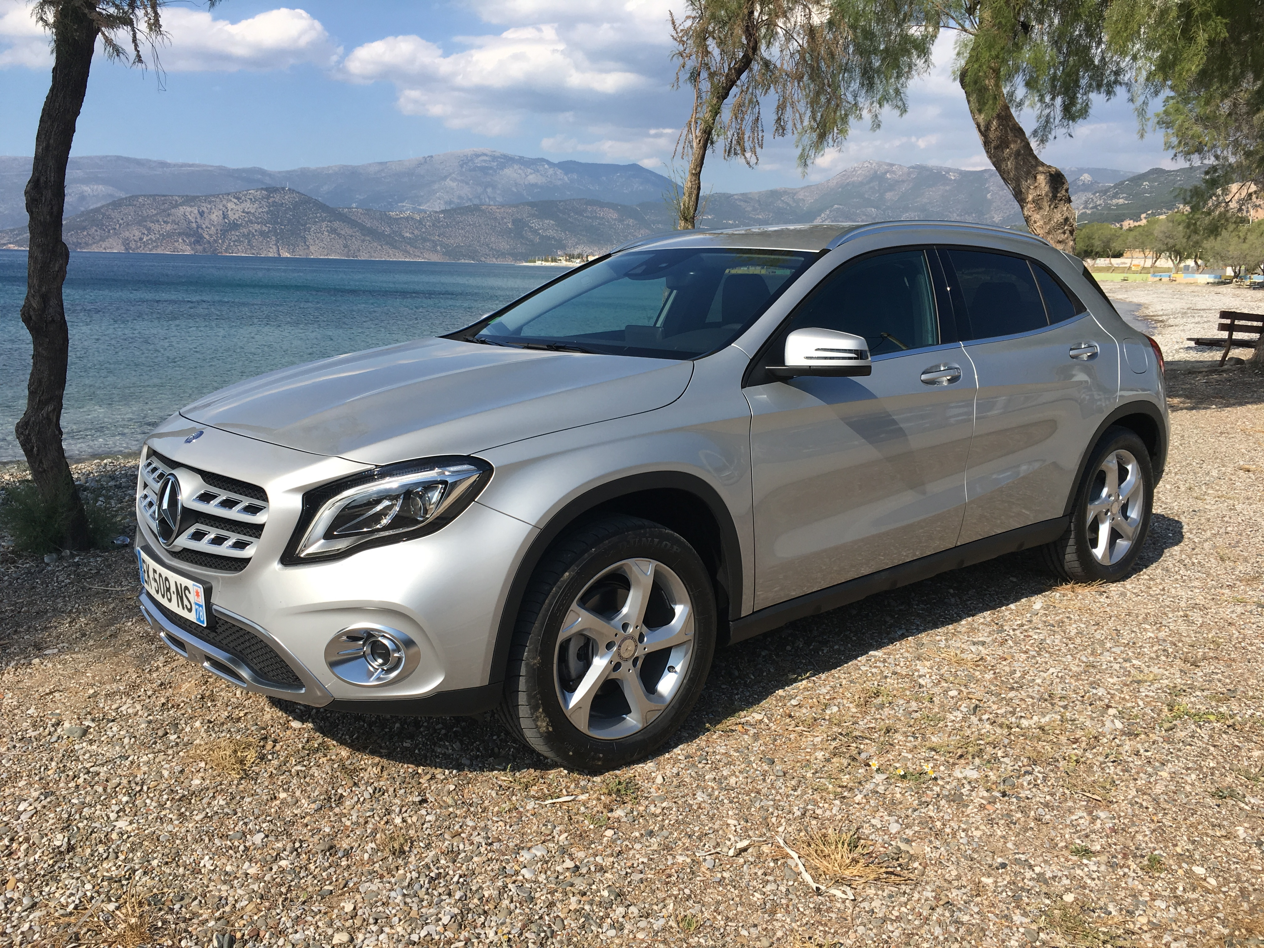 mercedes gla restyl les premi res images de l 39 essai en live impressions de conduite. Black Bedroom Furniture Sets. Home Design Ideas