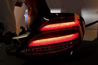 Surprise : voici l'éclairage arrière variable de la future Mercedes Classe E