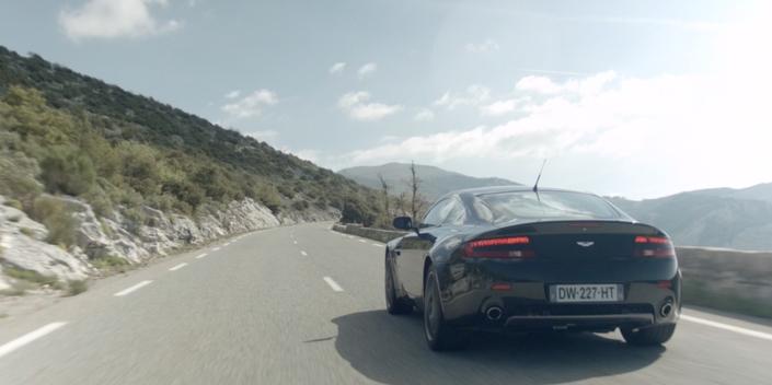 La minute du propriétaire : Aston Martin V8 Vantage - la GT anglaise de poche
