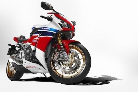 Le Pirelli Diablo™ Supercorsa SP habillera Honda CBR1000RR Fireblade SP