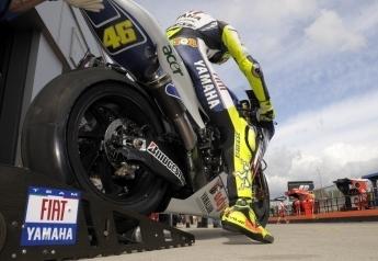 """Moto GP - Grande Bretagne D.1 Rossi: """"Par endroit, le bitume est mort"""""""