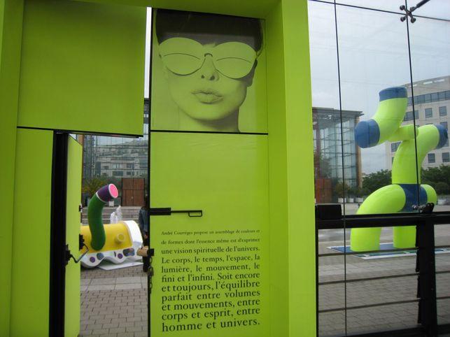 L'exposition Courrèges ? Electrique et haute en couleurs !