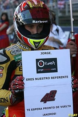 GP125 - Grande Bretagne: Clavicule cassée pour Espargaro