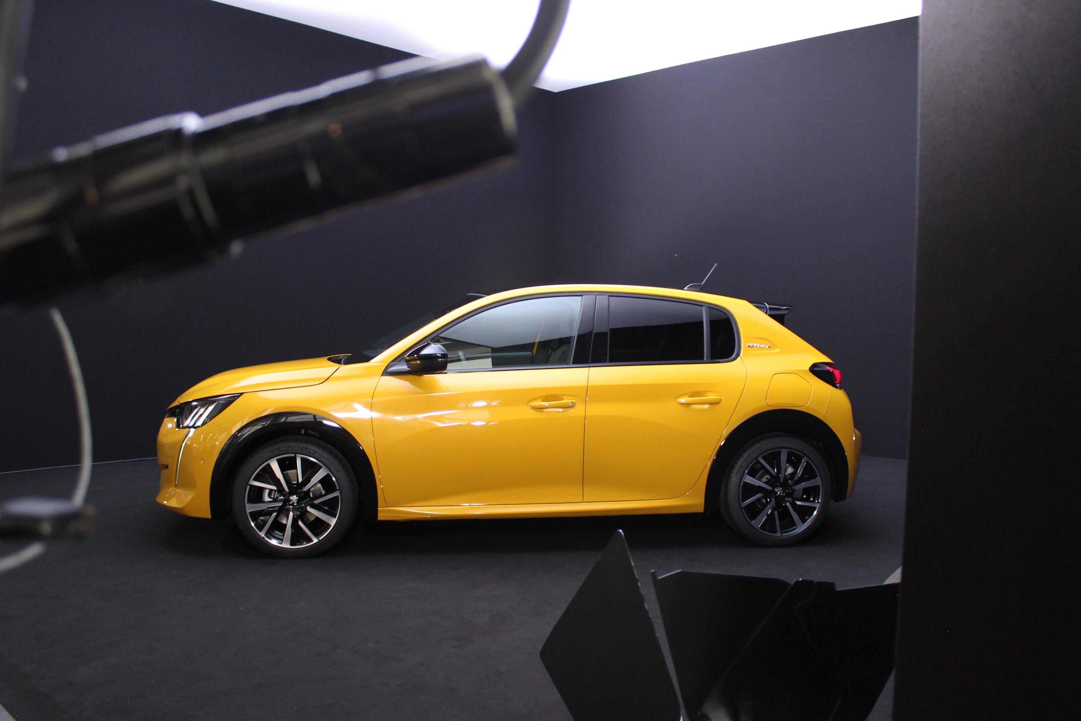 Peugeot 208 Tous Les Secrets De La Nouvelle Citadine Du