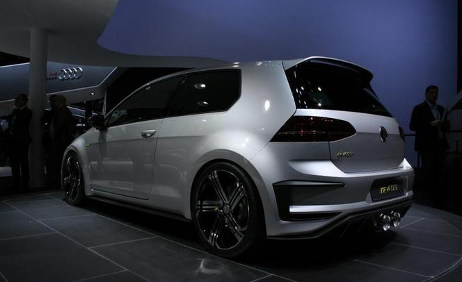 volkswagen va produire la golf r 400. Black Bedroom Furniture Sets. Home Design Ideas