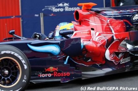 F1 Toro Rosso : Bourdais met la STR3 à l'épreuve... du mur !
