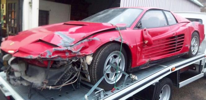 Interview : il restaure une Ferrari Testarossa
