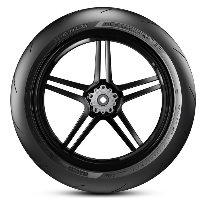 Pirelli: voici le nouveau Supercorsa SP de la Ducati Panigale V4
