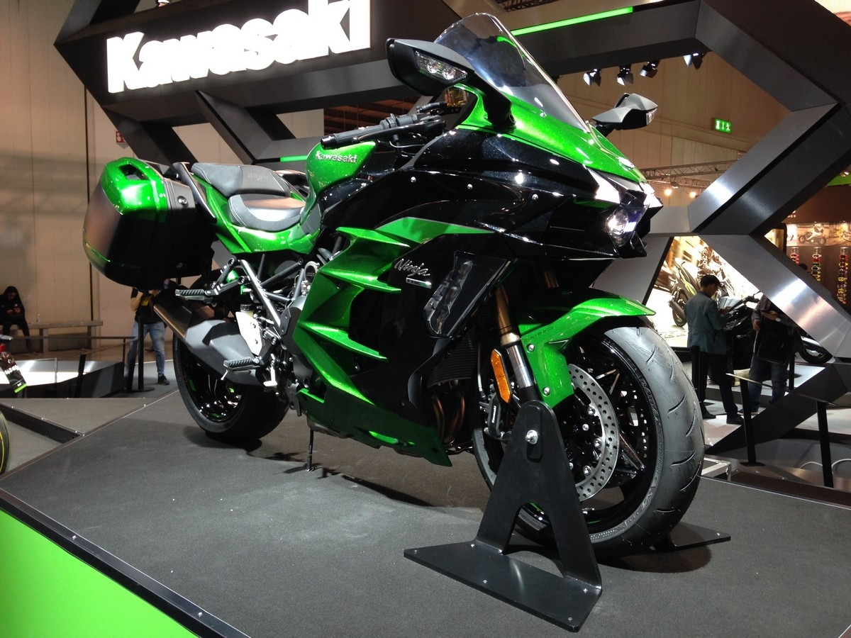 Salon De Milan 2017 En Direct Kawasaki H2 Sx