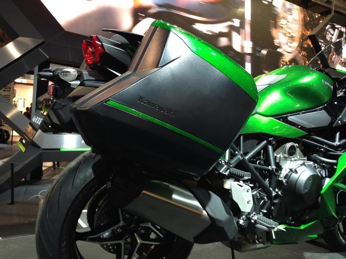 Salon de Milan 2017 en direct : Kawasaki H2 SX