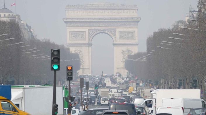 La pollution d'origine automobile est une réalité, mais à partir de laquelle prospère trop d'idéologie du côté des pouvoirs publics parisiens.