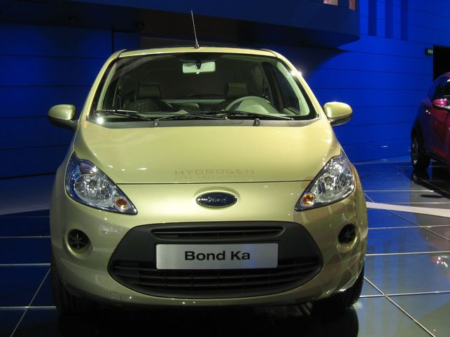 La Ford Bond Ka Hydrogen, une star !
