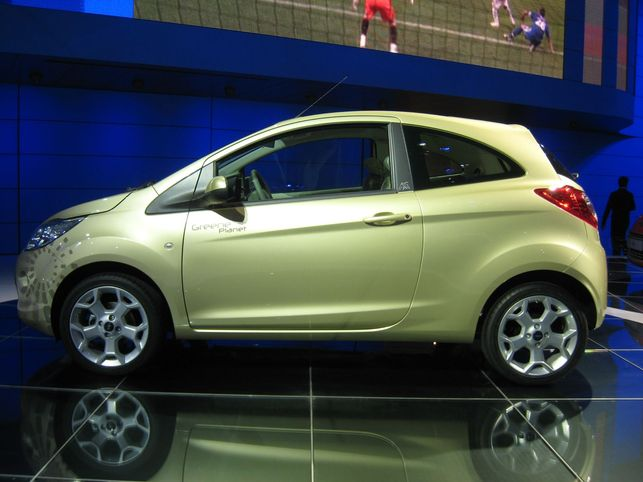 La Ford Bond Ka Hydrogen, une star !