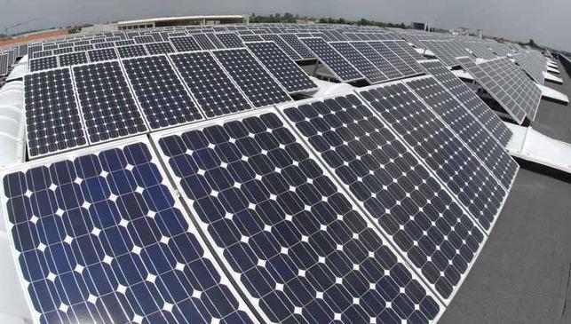 Volvo Trucks auréolé d'énergie solaire !