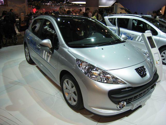 Stand Peugeot : les 207 et 207 SW BLUE LION
