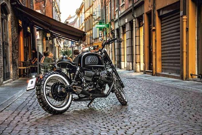 Concept - BMW: une RnineT Ares passe à l'offensive