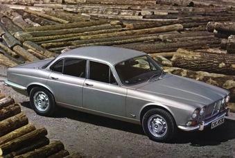 De la première XJ en 1968...