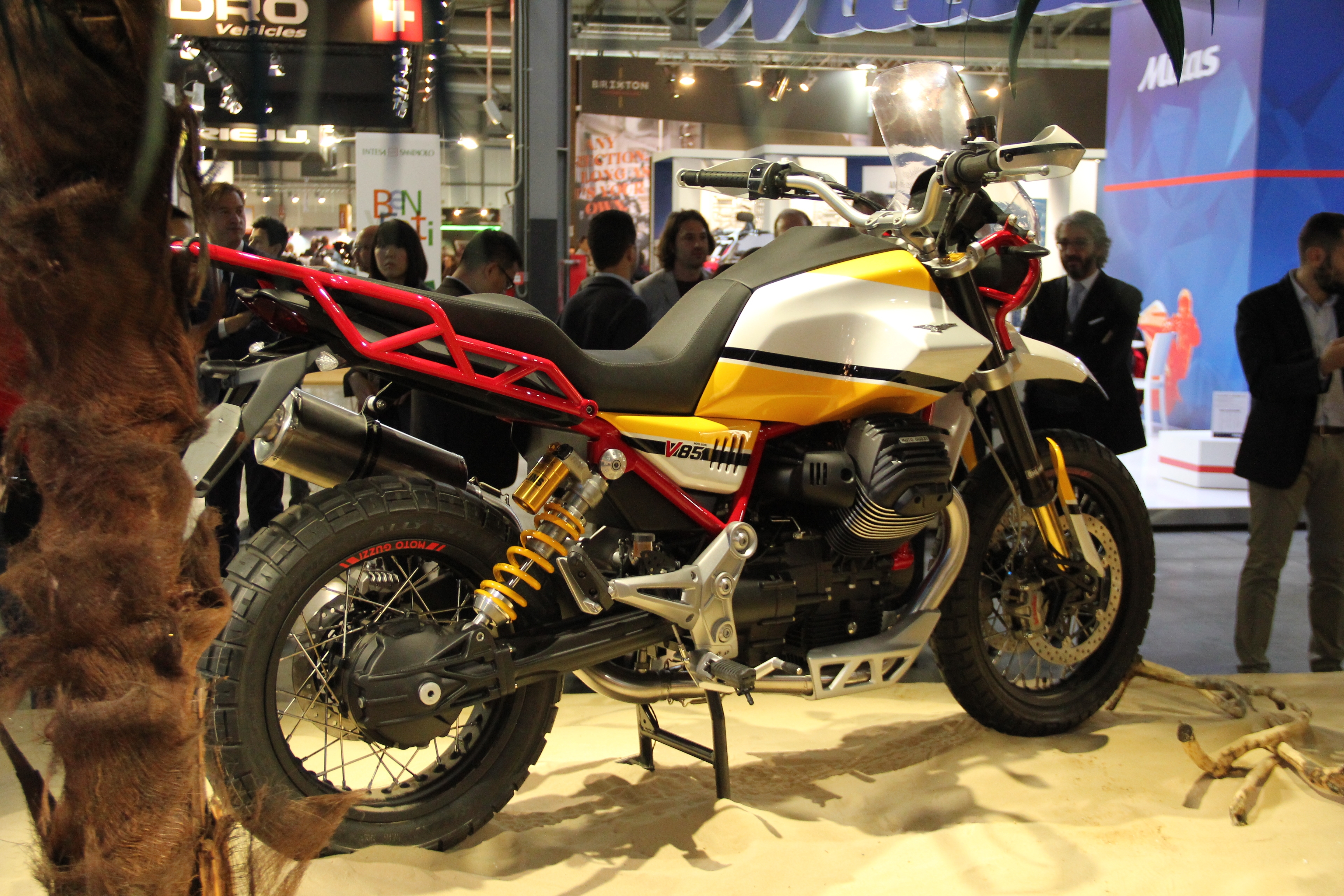 salon de milan 2017 en direct moto guzzi v85