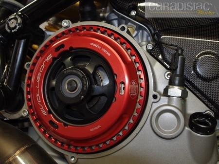 Les dessous de la Ducati 1098 Oté'a: entre chassis et pistons.