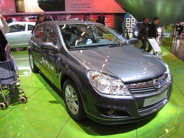 Stand Opel : Corsa et Astra ecoFLEX