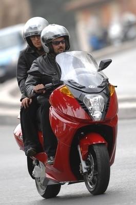 Contre la hausse du prix de l'essence: le scoot Vectrix