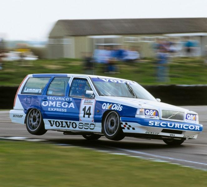 Volvo fête les 20 ans... de break en BTCC
