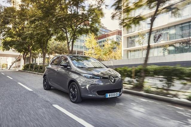 Ventes européennes en hausse de 49% au premier trimestre pour les modèles électriques (ici la Renault Zoé), jugés de plus en plus crédibles par les automobilistes.