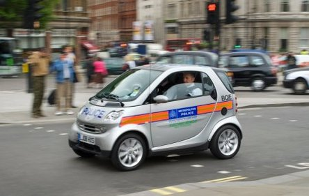 La police teste les Smart Fortwo électriques