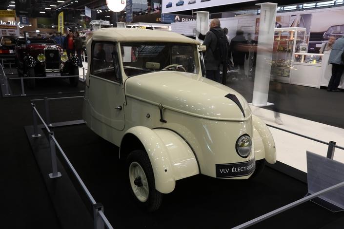 La Peugeot VLV, une biplace électrique urbaine créée en...1941! Une ancêtre de la Smart FotTwo EQ, en quelque sorte.