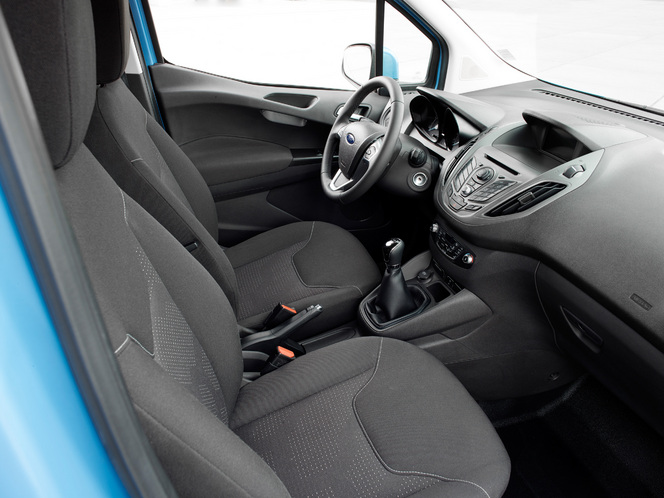 Le nouveau Ford Transit Courier disponible à la commande
