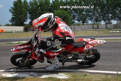 Supermotard Italie 2011, Pomposa : Adrien Chareyre à 1 point de Lazzarini…
