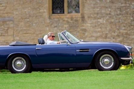 L'Aston Martin du Prince Charles fonctionne au vin blanc !