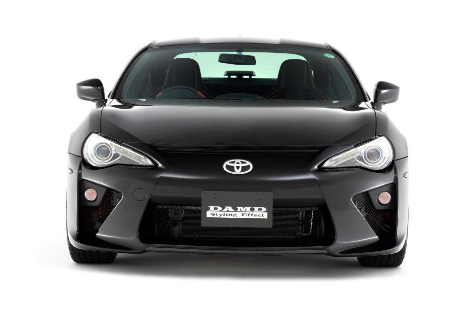 S0-Insolite-une-Toyota-GT86-qui-se-prend-pour-une-LFA-284026.jpg